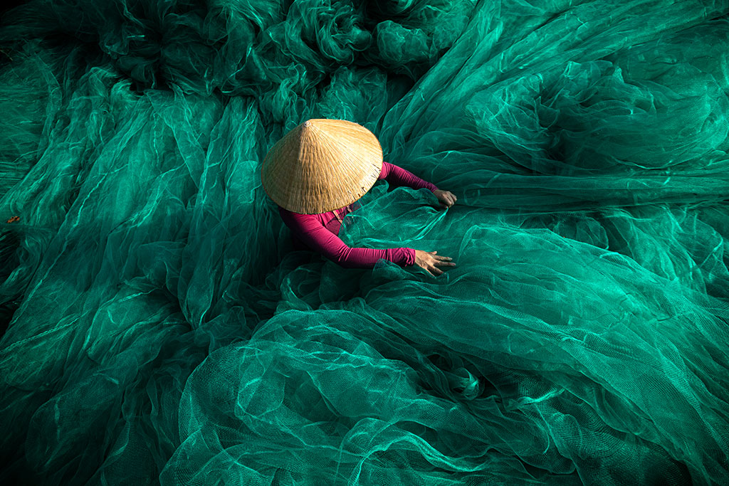 Into the wave II photo by Réhahn - fishing net in Hoi An Vietnam