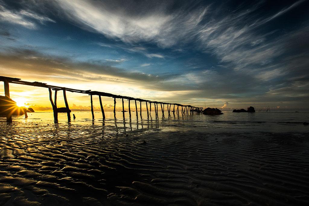 Sunrise Bridge photo by Réhahn Phu Quoc Vietnam