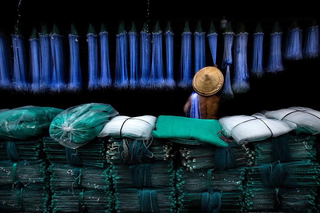 Rhythm photo by Réhahn - fishing net in mekong delta vietnam